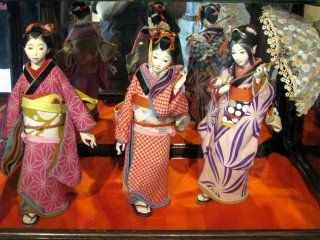 Fine dolls by Juzaburo Tsjimura