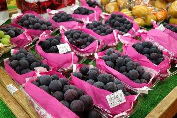 Местный органически выращенный виноград
