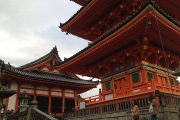 Welcome to Kiyomizu-dera!