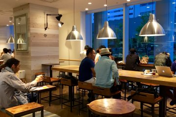ร้านกาแฟ R.O.Star ในโทะโยะสุ