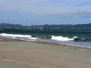 Vue sur le pont conduisant à l'Île Awaji