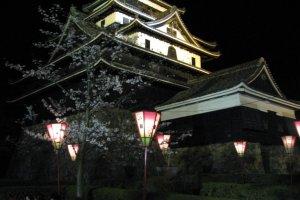 Сезон ночного фестиваля в замке