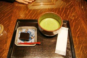 น้ำชาและขนม1เซท