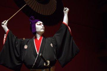 志願導遊能像你述說關於這齣歌舞伎秀的故事