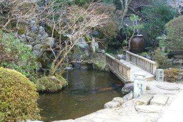 <p>สวนญี่ปุ่นที่งดงามสร้างความรื่นรมย์ในการเข้าพัก</p>