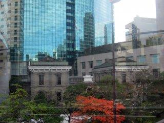 Une combinaison organique de différents styles architecturaux crée une image de Tokyo singulière