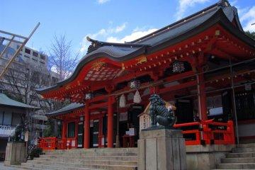 Ikuta Shrine in the morning