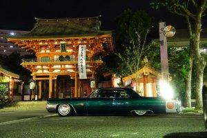Another night-time view Ikuta Shrine Kobe
