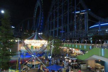 Ночной вид Tokyo Dome City