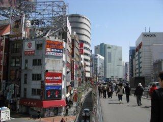 The way to Shinjuku Gyoen
