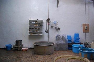 Boiling water for sake at Tokun Shuzo