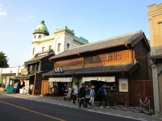 The beginning of the Kurazukuri Street