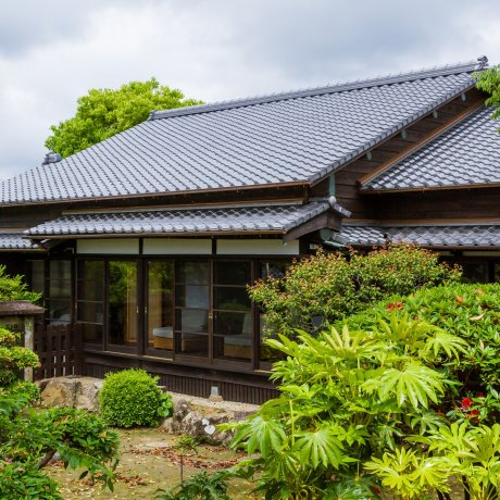 Staying in a Luxurious Samurai Home