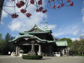 Memorial temple