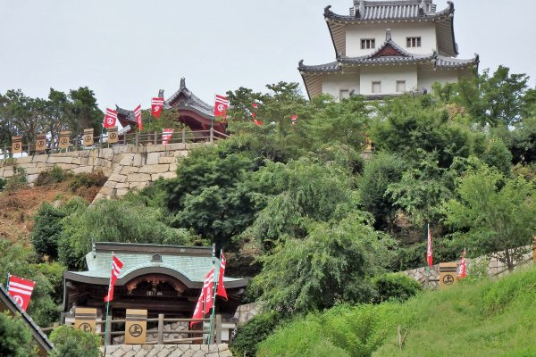 Although reconstructed, the castle looks impressive
