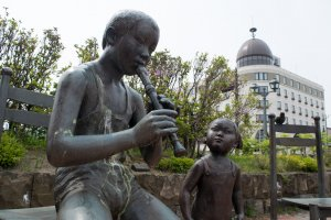 Statues by the main canal of Otaru