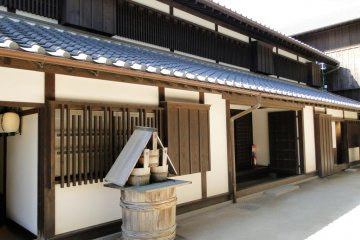A building in the older section of Dejima