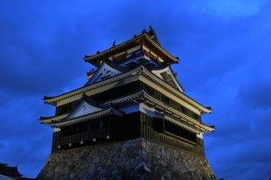 Kiyosu Castle at dusk