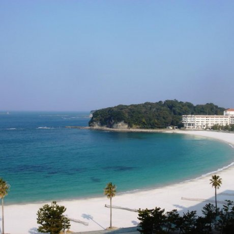 Japan's Waikiki: Visiting Shirahama Beach