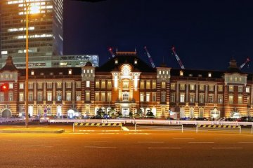 Front view of Tokyo Station, renovated structure
