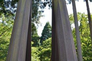 鉄製の支柱。かつては木製だったことだろう