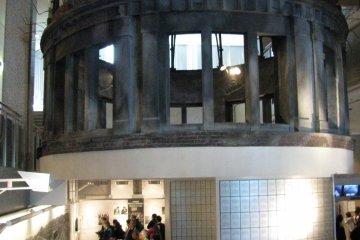 """Модель """"атомного купола"""" в музее"""