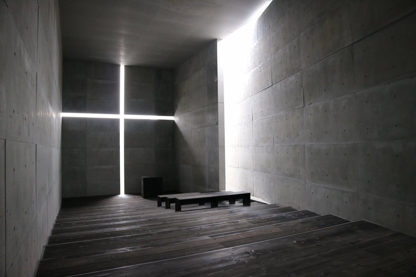 A full-size replica of Church of Light was created by Ando especially for the exhibition