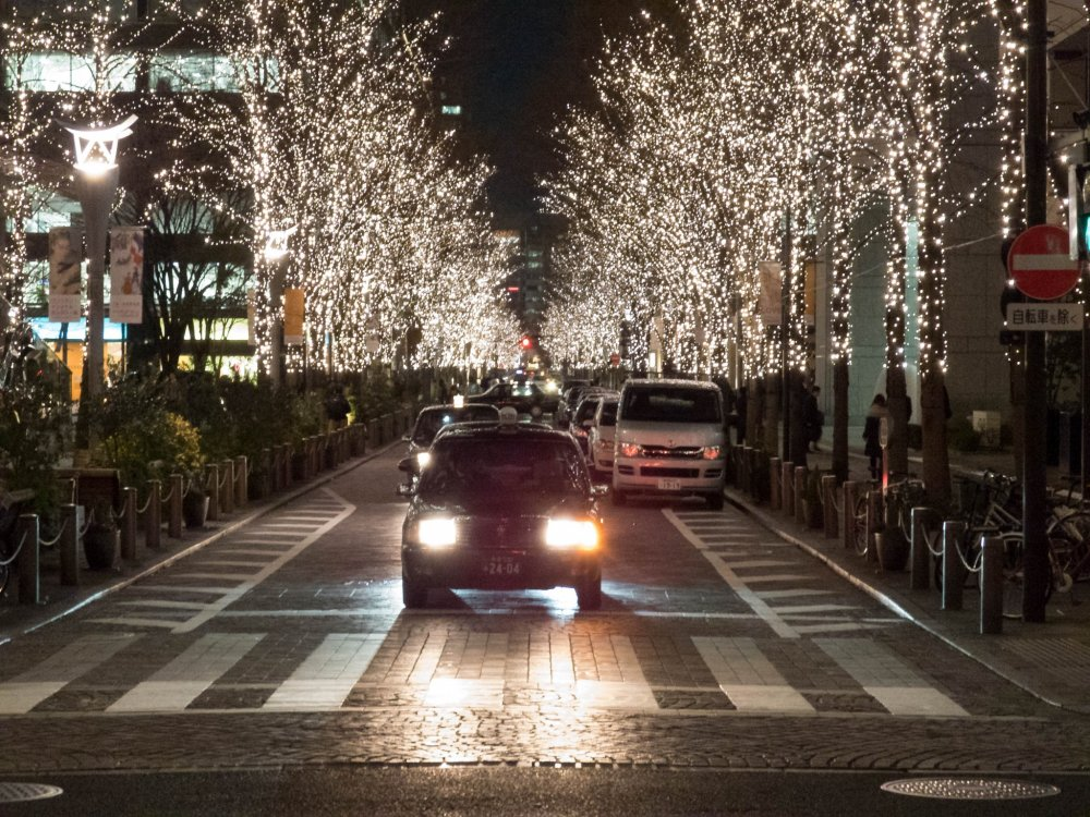 Now entering its 16th year, Tokyo Marunouchi's illuminations still manage to bring much sparkle  to wintertime