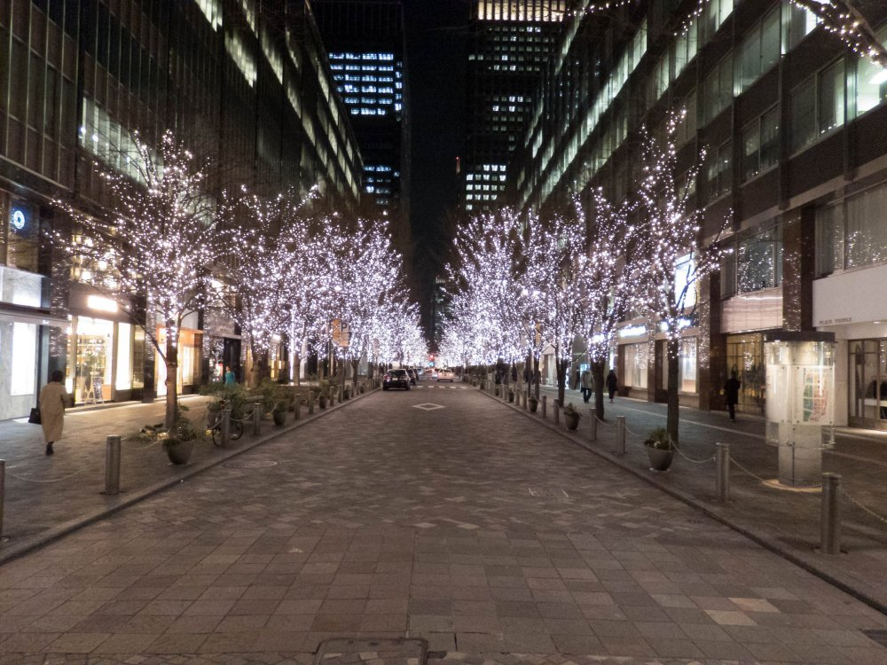 A few meters walk from Tokyo Station lies the brightly lit avenue of Naka-dori