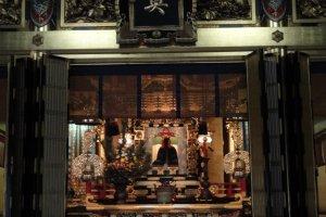 Buddha at Nishi Hongen-ji
