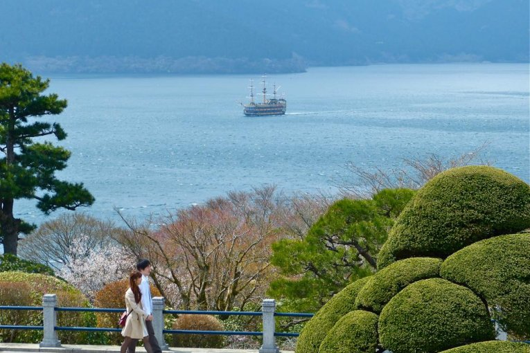 Công viên Onshi Hakone vào mùa xuân
