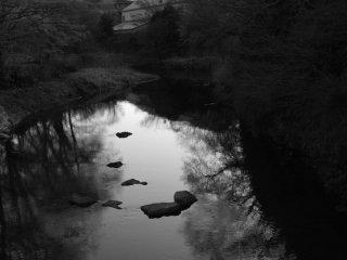 This pretty river runs right through Masaya's nieghborhood