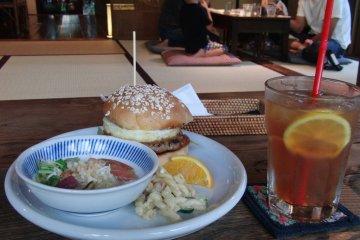 Hamburger and iced tea