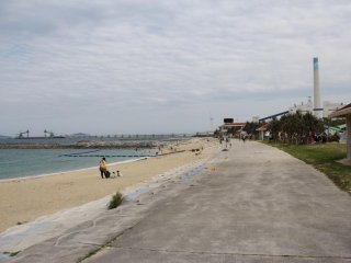 A trash beach no more, Uken is clean and well groomed