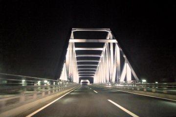 Zipping away on the Tokyo Gate Bridge, way back from Haneda Airport to Edogawa Ward