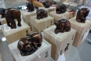 Zodiac figurines