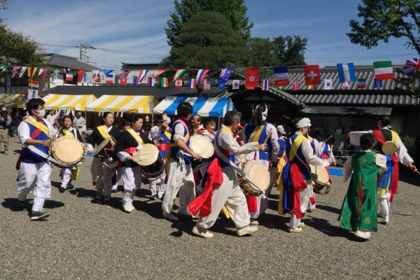 Koma Shrine traces its roots from Korea.