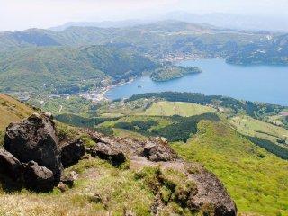 Lake Ashinoko from the summit