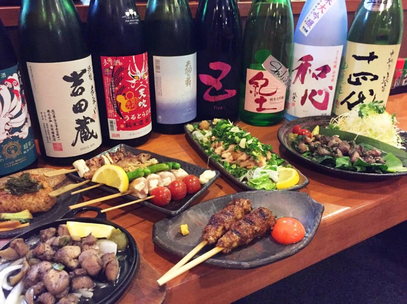 닭고기가 일본 요리의 연대기까지 들어오기 훨씬 전부터 아이가모오리는 맛과 따뜻함이 풍부하기로 유명했으며, 쌀 수확 후 겨울 요리로 기념되었다
