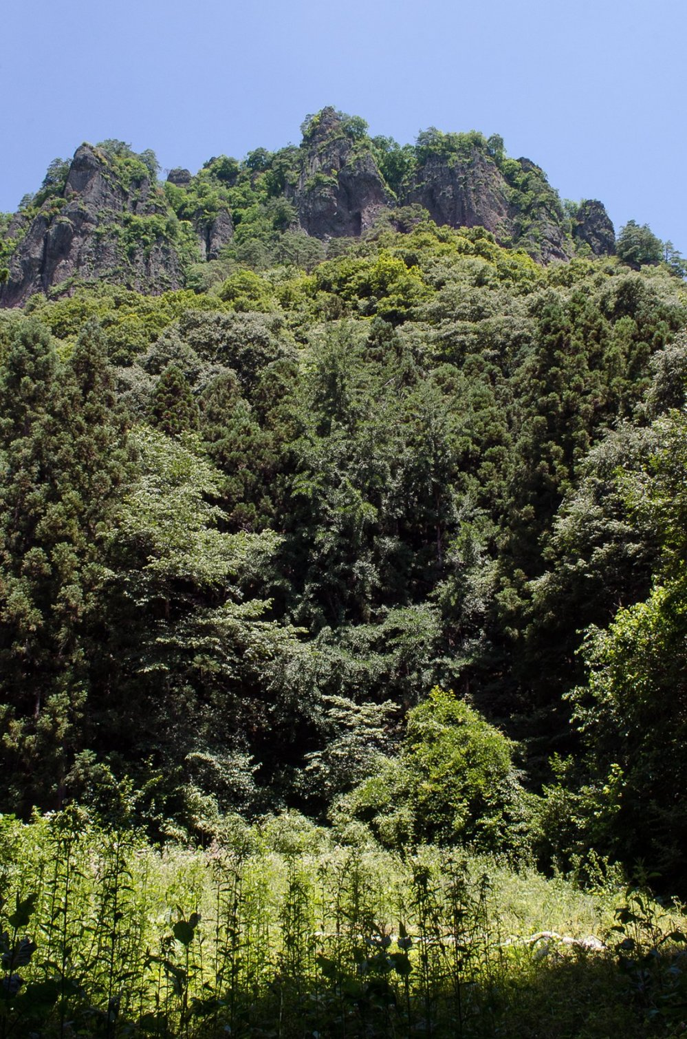 The rocky cliffs of Mount Iwabitsu