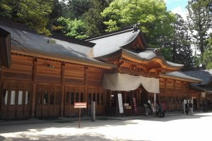 The main hall at Hotaka-jinja