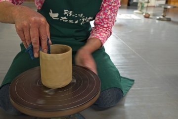 The amazing expertise of the pottery teacher