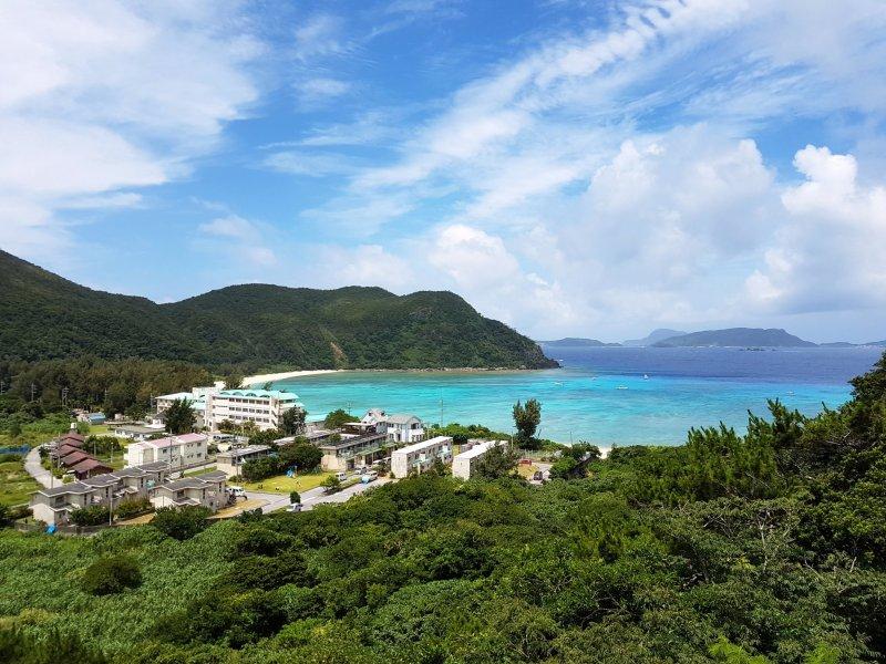 หาดเล็กๆ บนเกาะโทะคะชิกิจะทำให้คุณอัศจรรย์ใจ