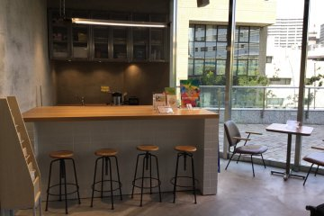 Sunshine Juice bar offers cold pressed juices and smoothies with optional vegan protein boosts.