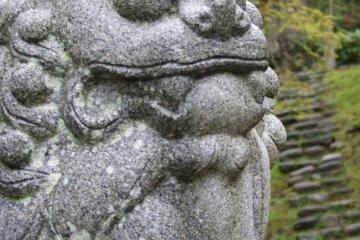 <p>Guardian Nio and stone steps</p>