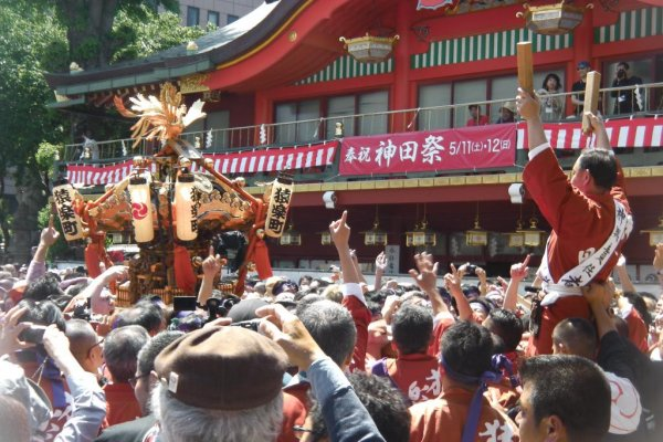 Directing the mikoshi through the crowds