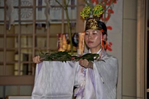 Dance and offerings at the main shrine