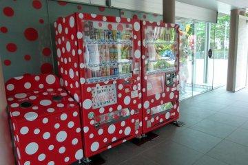 Пятнистые автоматы с напитками