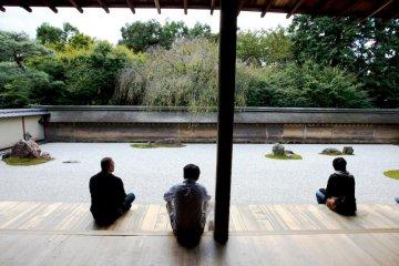 Сад камней во дворце Рёандзи, Киото
