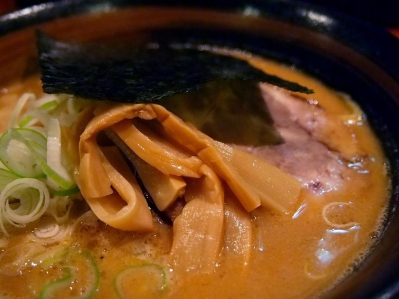 When ordering at a Hokkaido ramen shop, try their most famous dish – miso ramen.